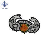 Custom дешевой одежды наклейки с логотипом дизайн