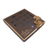 De luim past de Doos van de Gift van de Verpakking van de Chocolade van het Karton met de Boog van het Lint aan