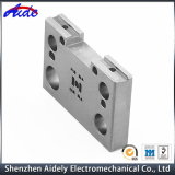 Accessoire automatique personnalisée de l'acier pour l'aérospatiale de pièces de machines CNC