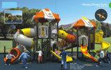 Im Freienpark-Spielplatz-Gerät für Kinder