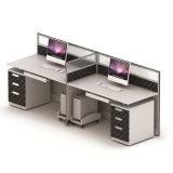 Stazione di lavoro moderna del cubicolo di uso dell'ufficio di Seater delle 4 persone