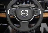 Volvo Xc90 a autorisé la conduite de jouet d'enfants sur le véhicule à télécommande