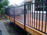 Barras de solda pintadas em aço galvanizado em escada em preto