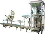 コンベヤーおよびヒートシール機械を持つココナッツ粉の袋詰め作業者
