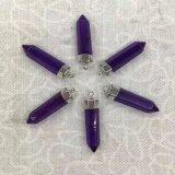 Un surtido de collares de piedras preciosas de pie de cristal mezclado Charms colgantes