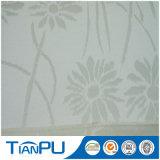 Nueva tela 100% del telar jacquar del modelo de flor del poliester del diseño para el protector del colchón