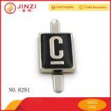 Roter schwarzer gelber grauer Goldfarben-Namensmarken-Firmenzeichen-Kennsatz mit Decklack
