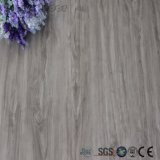 Hölzerne Plastikbaumaterial-Fußboden-Fliesen für Verkauf