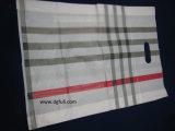 La maniglia del PE ha tagliato il sacchetto a stampo tagliente riutilizzabile di plastica promozionale personalizzato dell'indumento del sacchetto del regalo del sacchetto di acquisto