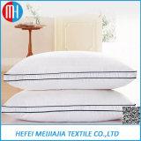 Almohada de plumas o de fibra de cama para hotel y coche