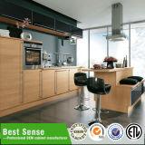 Alta cocina de las cabinas de Kitcen del lustre con las bisagras del cierre de la suavidad