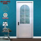 白い絵画(GSP3-015)が付いている浴室の内部のガラス木製のドア