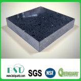 黒い輝きの床の台所タイルの水晶石