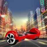 """""""trotinette"""" elétrico do balanço do auto das rodas da forma 2 com carro do pairo"""