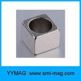 Aimant magnétique carré de terre rare de NdFeB de bloc avec le trou