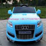 Jouets éducatifs à télécommande de véhicule électrique de roue de Bluetooth de couleur bleue d'Audi Q7 4