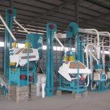 Maïs de fraisage de machines de moulin de maïs à échelle réduite dans la farine blanche superbe de maïs de maïs