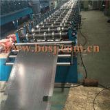 Rolo do painel da prateleira da loja que dá forma à máquina Irã da produção