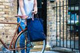 濃紺のキャンバスのブラウン革アルバンの戦闘状況表示板のPannier袋の自転車袋