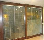 Vidro de alumínio do dobro do frame com a porta deslizante interna das cortinas