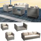 El ocioso al aire libre de mimbre del patio de los muebles fija el vector del sofá 3+1+1 del balcón