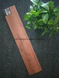 Mattonelle di legno calde della porcellana del pavimento non tappezzato del materiale da costruzione di Foshan