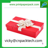 Boîte cadeau carré personnalisé présent à l'emballage cadeau avec ruban de couleur
