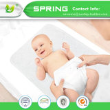 El blanco impermeable lavable cambiante de la estera de la pista del bebé orgánico del 100% certificó