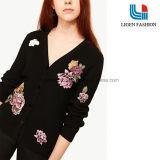Moda con tejidos pesados Jersey Cardigan con bordados