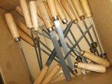 На стоящем автомобиле металлической упаковки в коробки Деревянные рукоятки Профессиональная стрижка 6PCS ключевой файл (07390)