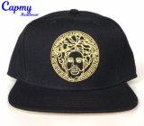 Изготовленный на заказ металлический шлем крышки Snapback логоса