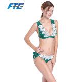 Reizvoller Bikini des Soem-kundenspezifischen Mädchens