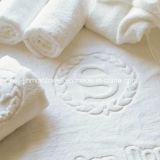 綿の高品質の平野によって染められる浴室タオルのジャカード浴室タオル