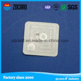 Le tag RFID a encodé l'étiquette d'IDENTIFICATION RF d'étiquette de la carte NFC