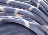 Moderner weißer Streifen-verbindliche Flanell-Zudecke