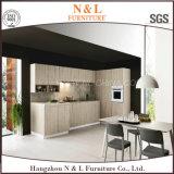 Mobiliário de madeira de madeira maciça de estilo clássico Armário de cozinha de folheado de madeira