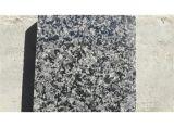 中国の自然な磨かれた特定のサイズにカットされた淡青色の花こう岩のタイル