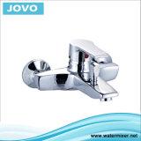 Robinet de lavabo en laiton robuste, une poignée de salle de bain (JV 70502)