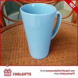 Caneca de café cerâmica da faiança para anunciar