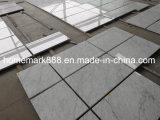 カラーラの白い大理石のタイル、カラーラの大理石、白い大理石のタイル