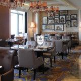 Schwarze hohe glatte Gaststätte-Tische und Stühle für das Speisen