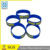 Wristband/braccialetto del silicone riempiti inchiostro poco costoso di Debossed di promozione