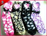 Nettes Muster gestrickte flockige Socken