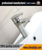 Le paquet froid et chaud de robinet a monté le robinet de bassin de l'acier inoxydable 304
