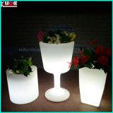 LEDのプラスチック植木鉢のLEDによって照らされるコップの植木鉢