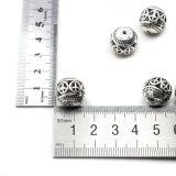 Facendo gli accessori Handmade di DIY misura per i branelli dei braccialetti delle collane
