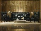 標準的で旧式なチェスターフィールドの革ソファーの家具セット