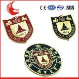 Emblemas macios de primeira qualidade do esmalte da forma
