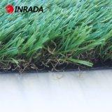 Césped artificial natural de la hierba de alfombra del jardín