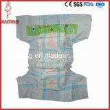 Bonnes couches-culottes bon marché de fabricant de Quanlity Chine de couches-culottes respirables molles de bébé